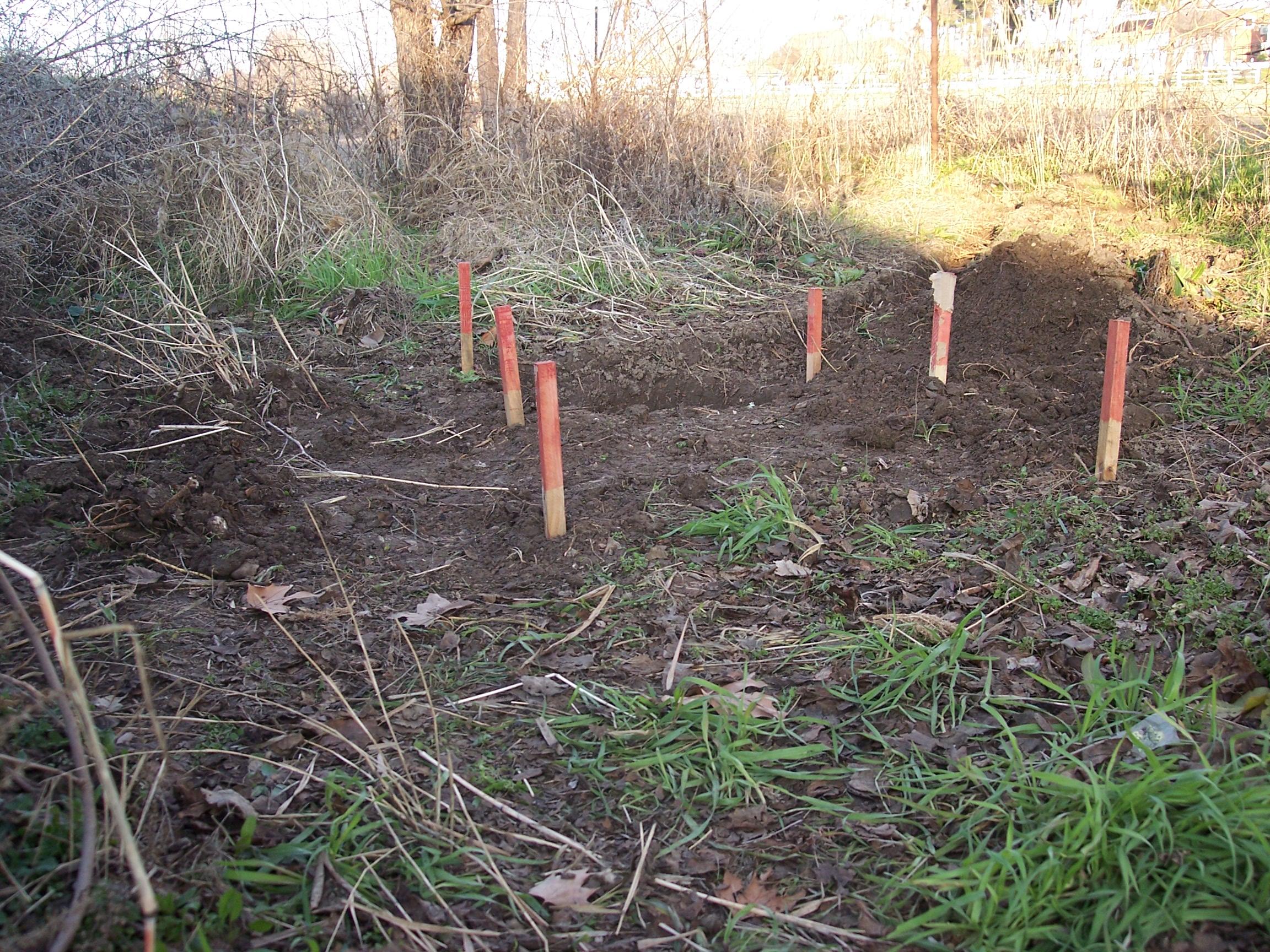 El jard n de las traviesas cb un refrescante estanque for Balancines de madera para jardin