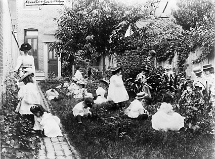 Post 1899 kirdergarten jardin vegetal